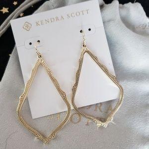 Kendra Scott Sophee Drop Earrings In Gold